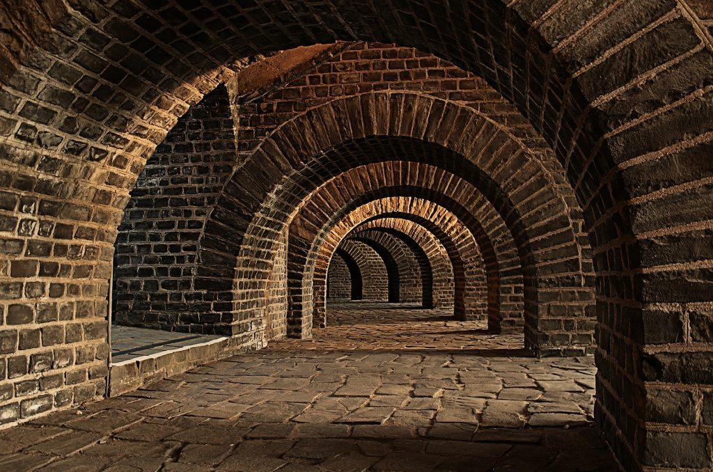 vaulted-cellar-247391_1920.jpg